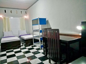 Room in Pandan Indah